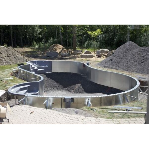 Poser les fondations de la piscine les diff rentes tapes for Construction piscine sur terrain non constructible