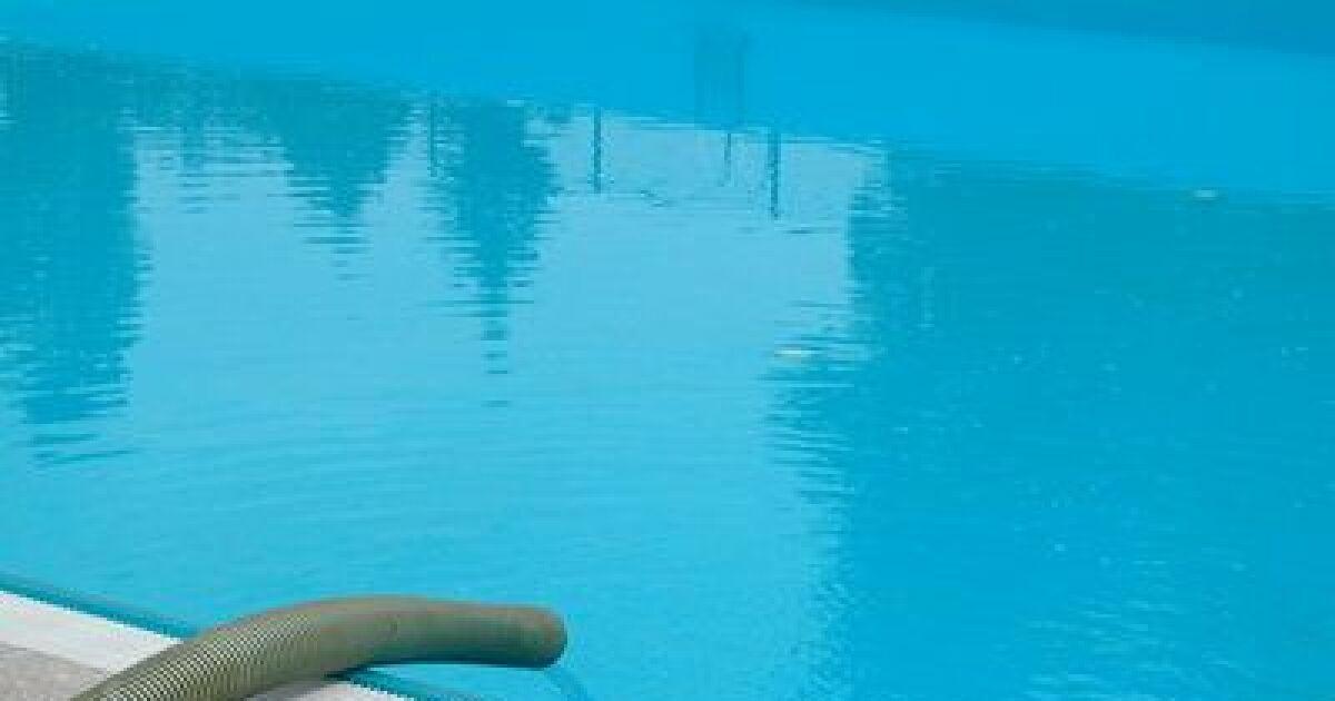 dossier les fuites de la piscine d tection et r paration recherche fuites d 39 eau piscine. Black Bedroom Furniture Sets. Home Design Ideas