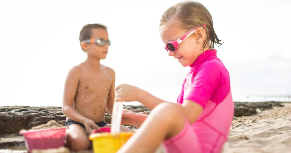 les indispensables pour les enfants la plage. Black Bedroom Furniture Sets. Home Design Ideas