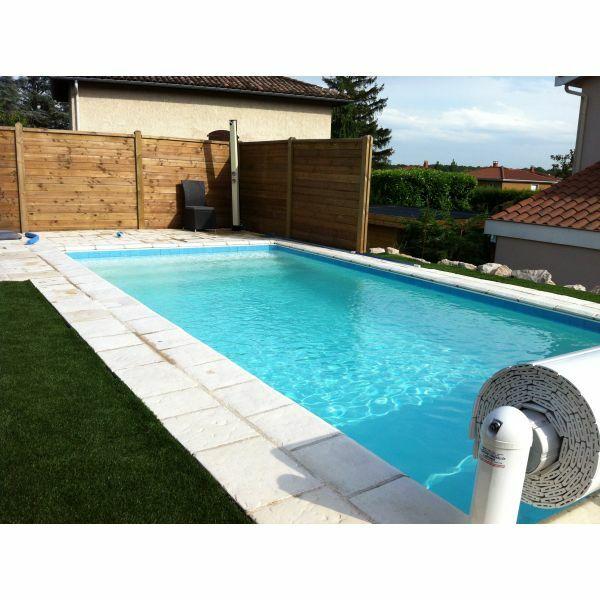 Piscine les jardins de l 39 ouest dardilly pisciniste for Entretien liner piscine