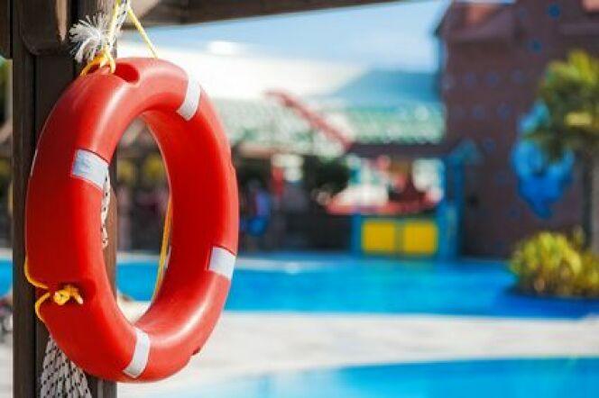 """Les jobs d'été à la plage<span class=""""normal italic petit"""">© Fotolia</span>"""