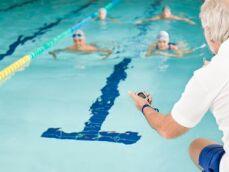 Les juges et arbitres en natation