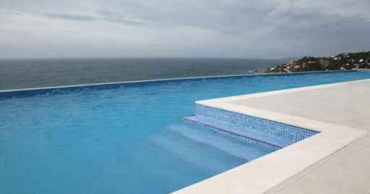 les marques de piscine en france construction. Black Bedroom Furniture Sets. Home Design Ideas