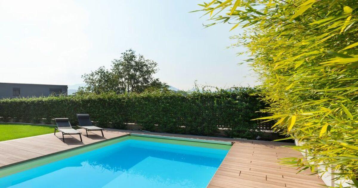 les mat riaux pour une piscine panneaux. Black Bedroom Furniture Sets. Home Design Ideas
