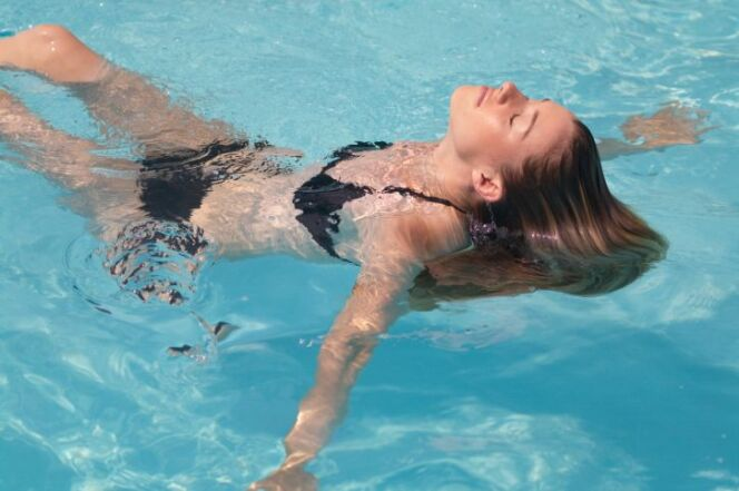 """Les meilleures nages pour tonifier votre corps<span class=""""normal italic petit"""">DR</span>"""