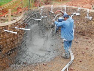 Les métiers autour de la piscine