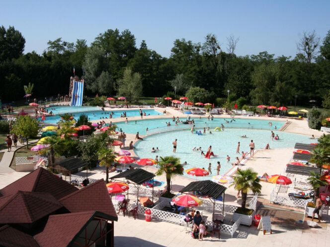 Les piscines de l'Aqua Park Junior Land à Saint-Laurent-des-Vignes