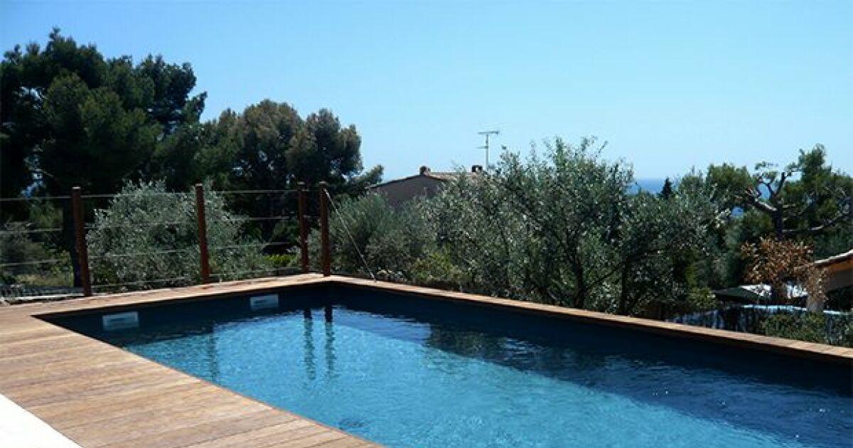 Les piscines en bois bluewood les piscines en bois for Construction piscine en bois