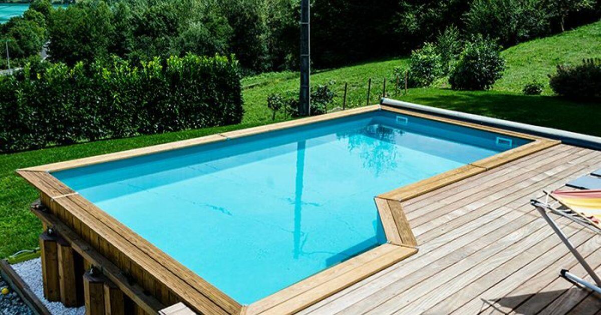 Les piscines en bois bluewood les piscines en bois for Piscine semi enterre bois