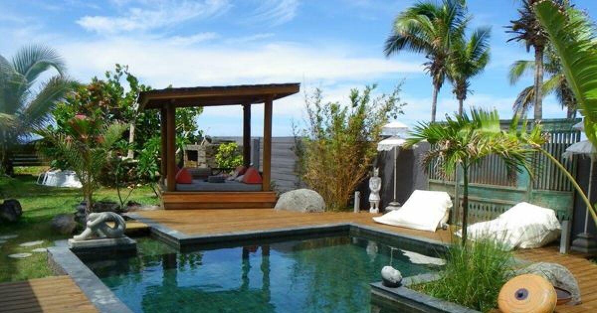 les plus belles piscines avec du carrelage les plus belles piscines avec du carrelage photo 5. Black Bedroom Furniture Sets. Home Design Ideas
