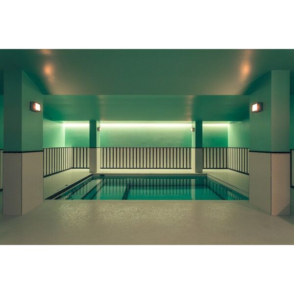 Les plus belles piscines int rieures d h tels parisiens for Piscine 6eme