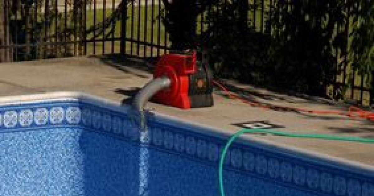 Les pompes de piscine la pompe chaleur et la pompe for Accessoire piscine