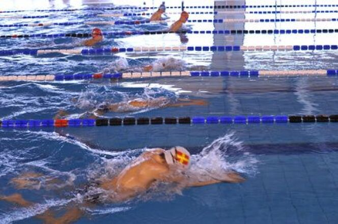 "Les règles à respecter à la piscine<span class=""normal italic petit"">© Tony - Fotolia</span>"