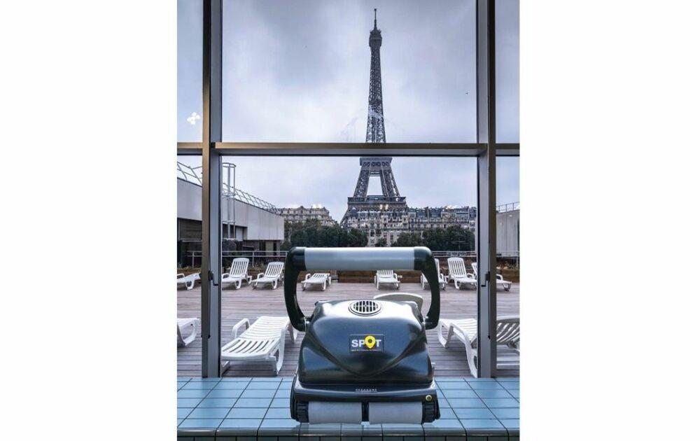Les robots Hexagone équipent la Mairie de Paris© Hexagone