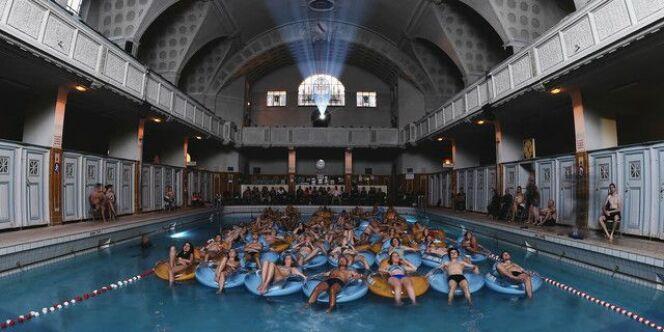 """Les strasbourgeois se baignent avec les requins <span class=""""normal italic petit"""">© AFP -Frédérick Florin</span>"""