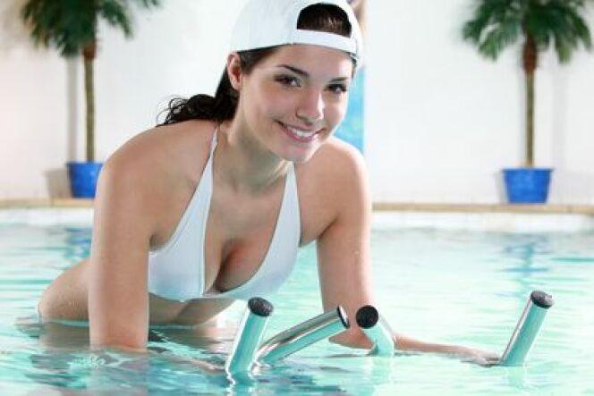 """Les tarifs d'un cours d'aquabike<span class=""""normal italic petit"""">DR</span>"""