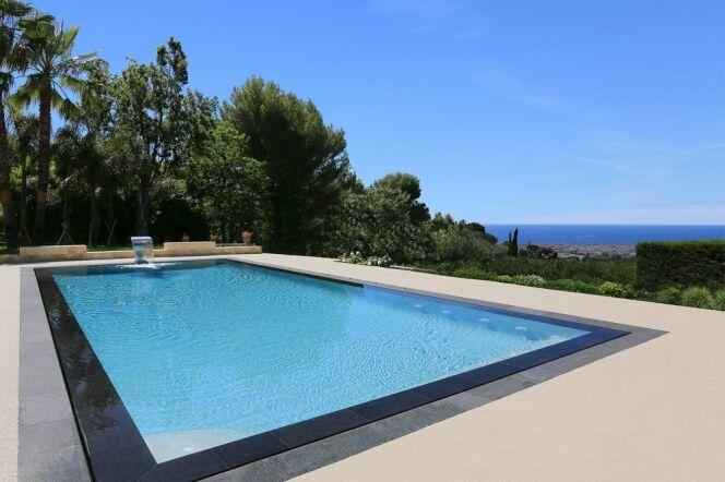 les taxes sur les piscines enterr es. Black Bedroom Furniture Sets. Home Design Ideas