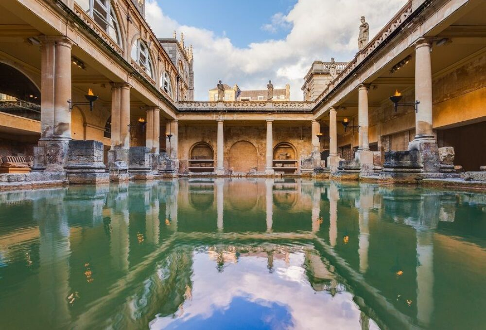 Les thermes romains de Bath© Diego Delso (via Wikipedia)