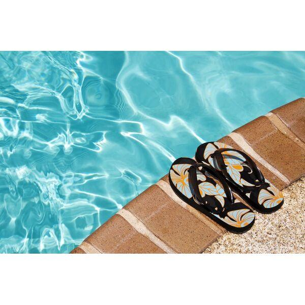 Les tongs et claquettes pour se prot ger des verrues la for Chausson de piscine pour verrue