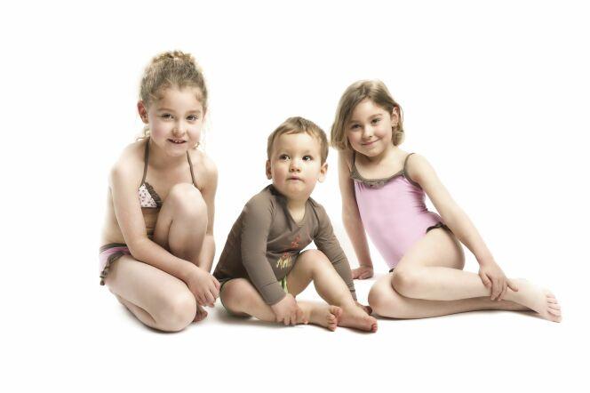 """Les Ultraviolettes proposent des maillots de bain anti-UV pour enfant, femme et femme enceinte.<span class=""""normal italic petit"""">© Les Ultraviolettes</span>"""