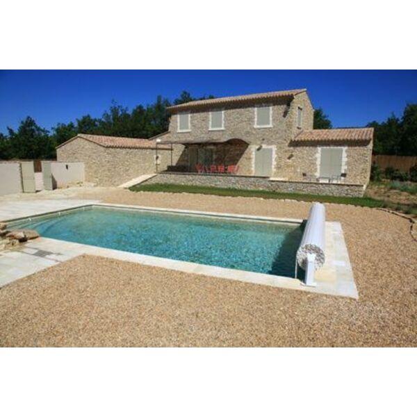 Les volets de piscine hors d 39 eau en surface de votre piscine for Piscine x eau cognac