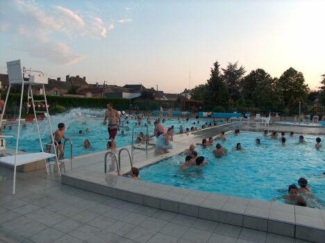 """Les bassins de natation à la piscine de Pré-en-Pail<span class=""""normal italic petit"""">DR</span>"""