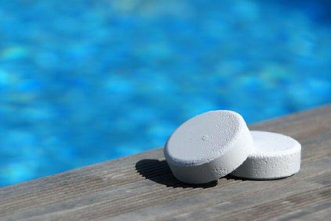 """Les chloramines dans l'eau de piscine  <span class=""""normal italic petit"""">© Fotolia</span>"""