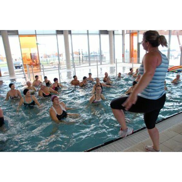 Piscine capoolco marquise horaires tarifs et photos - Horaire piscine iceo calais ...