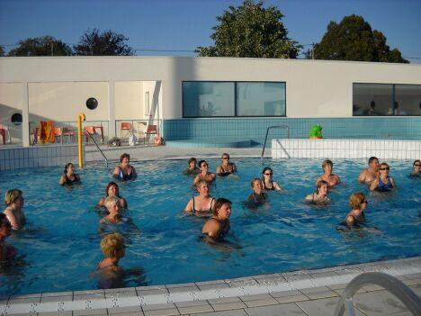 Les cours d'aquagym à la piscine de Neuville de Poitou