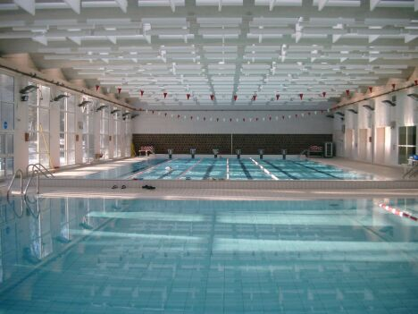Vetements cuir piscine de jean bouin for Piscine la madeleine