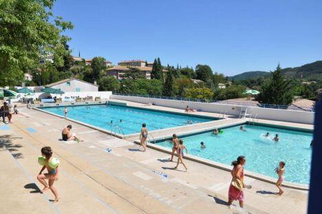 Les deux bassins de la piscine Gratenas à Privas