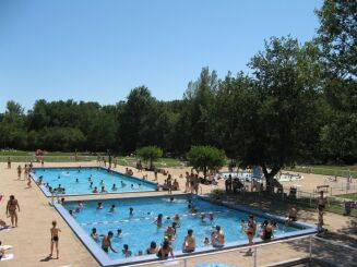 Les trois bassins de la piscine à Montaigut sur Save