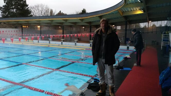 Lionel Horter, devant les bassins du Mulhouse Olympic Natation.