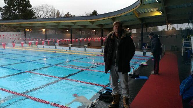 Lionel Horter, entraînant l'équipe de natation de haut niveau dans les bassins du Mulhouse Olympic Natation.