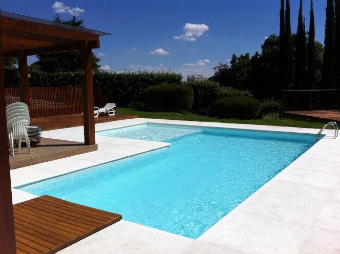 Piscines desjoyaux livraison offerte for Offerte piscine