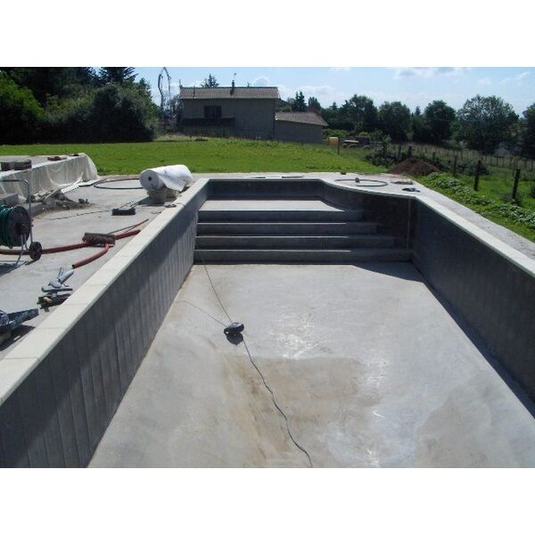 Lno piscines desjoyaux limonest pisciniste rh ne 69 for Construction piscine zone non aedificandi