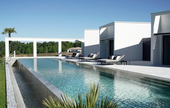 Longue piscine à débordement Diffazur Piscines © Diffazur Piscines