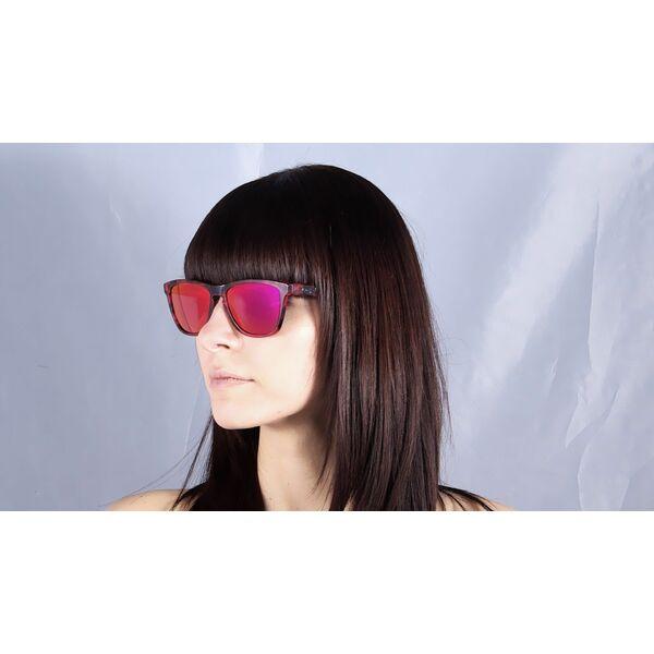 lunettes de soleil femme oakley verres miroirs rouges et. Black Bedroom Furniture Sets. Home Design Ideas