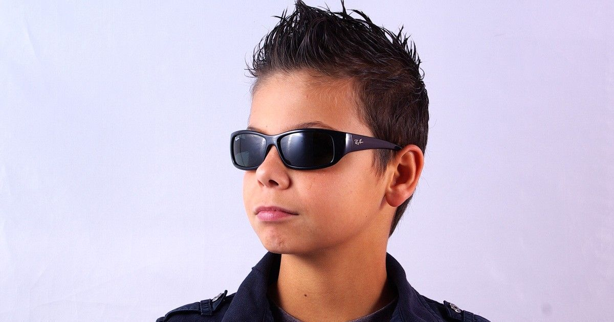 lunettes de soleil noires gar on ray ban junior t 2013. Black Bedroom Furniture Sets. Home Design Ideas