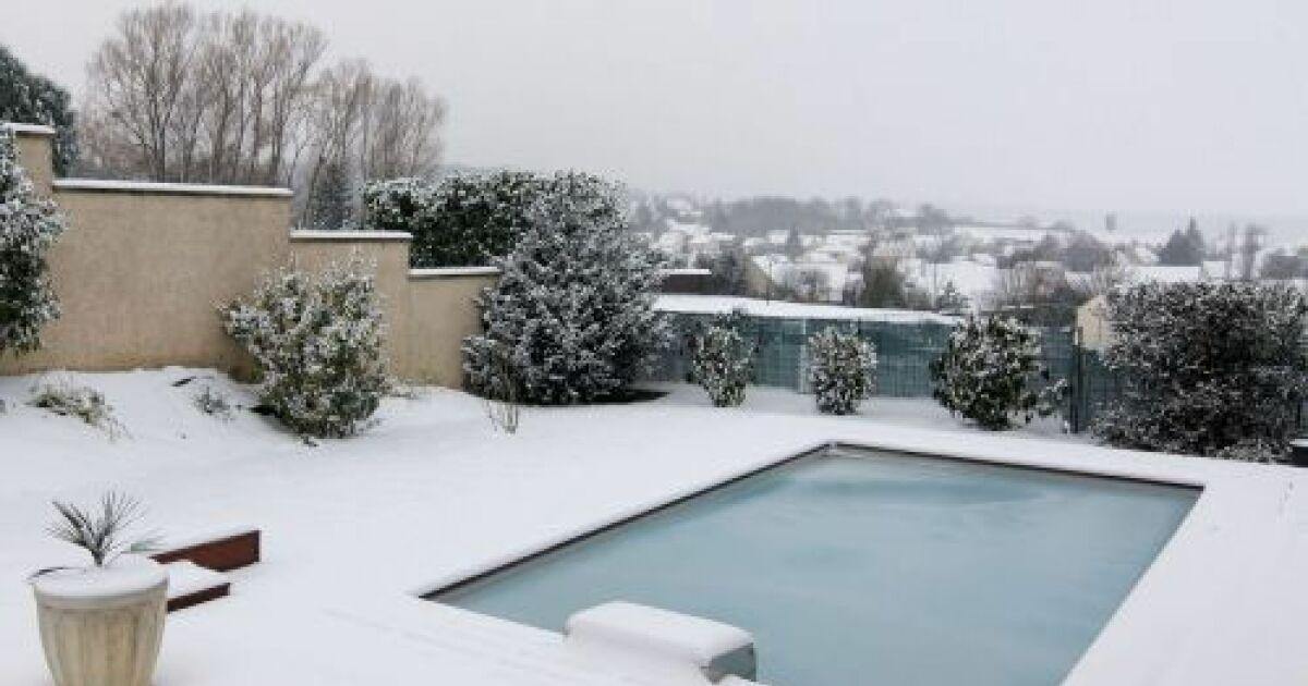 Ma piscine en hiver un bon hivernage pour pr parer la for Construction piscine hiver