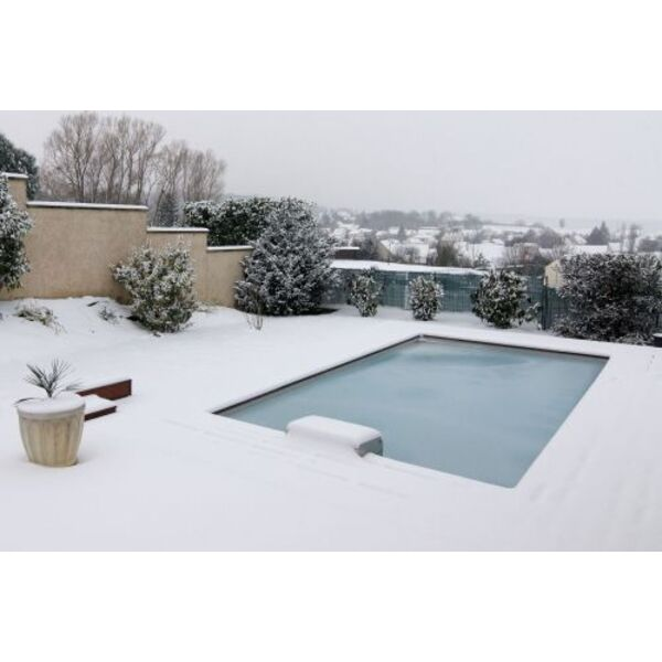 ma piscine en hiver un bon hivernage pour pr parer la saison estivale. Black Bedroom Furniture Sets. Home Design Ideas