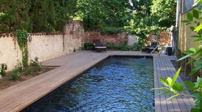 "Ma piscine en mai <span class=""normal italic petit"">© Bluewood</span>"