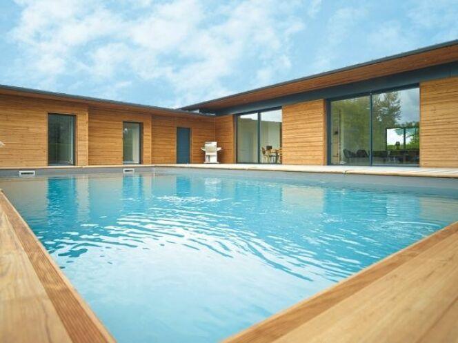 """Maéva extrême : la piscine en bois très haut de gamme <span class=""""normal italic petit"""">DR</span>"""