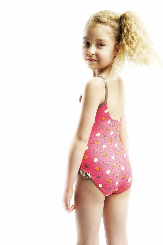 photos des maillots de bain enfant petite fille de l 39 t 2013 maillot de bain fillette une. Black Bedroom Furniture Sets. Home Design Ideas