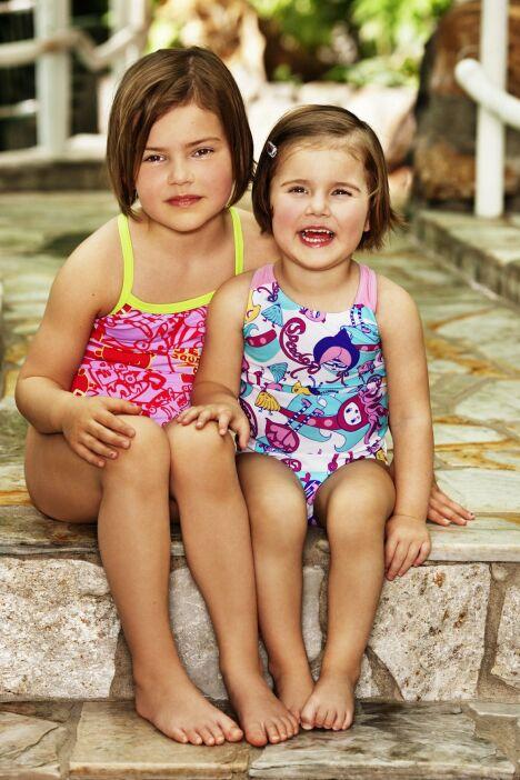 """Maillot de bain enfants été 2012<span class=""""normal italic petit"""">© Speedo</span>"""