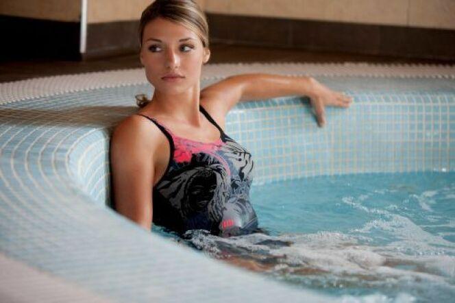 "Maillot de bain pour un bon maintien<span class=""normal italic petit"">© Arena</span>"