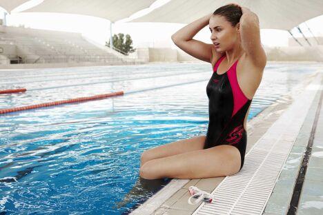 "Maillot de bain spécial natation et aquagym rose et noir, Speedo Swim Fitness 2013<span class=""normal italic petit"">© Speedo</span>"