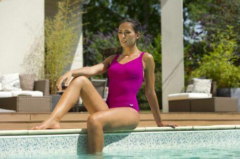 "Maillot de bain sport une pièce fushia par Arena<span class=""normal italic petit"">© Arena</span>"