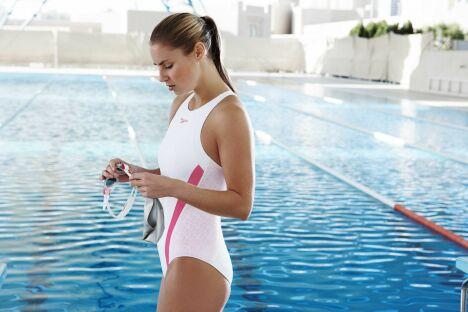 "Maillot de bain une pièce femme blanc et rose Speedo Swim Fitness 2013<span class=""normal italic petit"">© Speedo</span>"