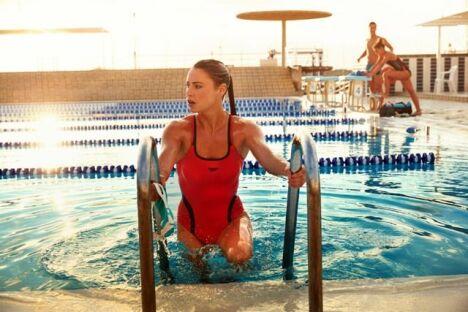 "Maillot de bain une pièce rouge et noir Speedo Swim Fitness 2014 <span class=""normal italic petit"">© Speedo</span>"